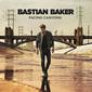 バスティアン・ベイカー 『Facing Canyons』 ピアノ・バラードや80s風ファンクなどヴァラエティーに富んだ曲調の3作目