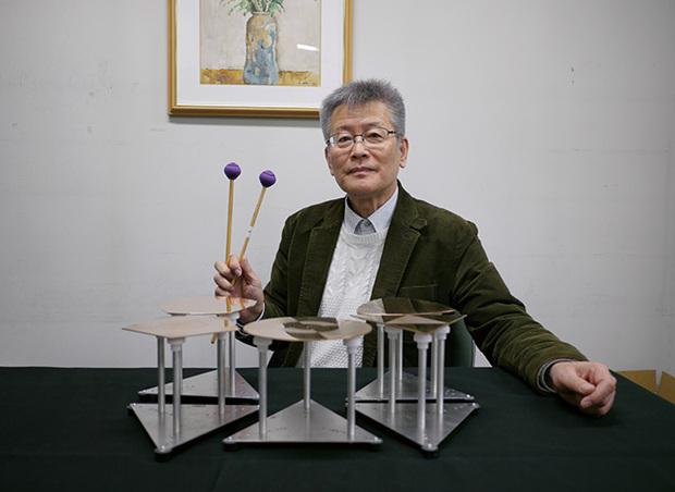 灰野敬二も参加、新しい響きと音階の打楽器〈ポリゴノーラ〉によるアルバムが登場! 発明者・櫻井直樹が探究する聴覚の可能性