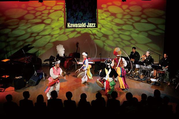 小曽根真やラスマス・フェイバーら出演、川崎を舞台にジャズが多様な橋架ける都市型音楽フェス〈かわさきジャズ 2016〉開催