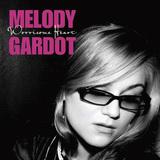 メロディ・ガルドーが紡いできたメロディー、レイジーで翳りを帯びた歌声で世界を魅了してきた彼女の過去作を振り返る