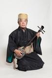 沖縄古典音楽の老巧・野原廣信、命と平和の大切さ込めた初心者にも◎な一枚『琉球古典音楽決定盤 ~命ど宝どう~』を語る