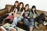 HAWAIIAN6の安野勇太が全面プロデュース! ガールズ・ロック・バンド、CASPAが鮮烈なデビュー作『さよなら世界』を語る