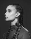 サラ・エリザベス・チャールズ『Free Of Form』 ジャズ・シーンをアップデートする、いま注目すべき女性ジャズ・シンガー