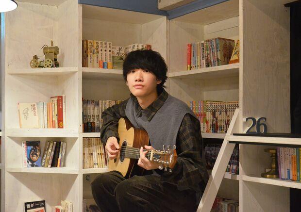伊津創汰『DREAMERS』二十歳のSSWから届いた、夢追い人のためのサウンドトラック