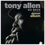 """アフロビートの伝説的ドラマー、トニー・アレンがデーモン・アルバーン参加の新曲""""Go Back""""公開"""