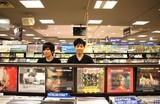 YUMA HARA × T-GROOVE―リトグリからさだまさしまで支えるギタリストの初リーダー作『THE DAYS』を語る