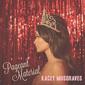 ケイシー・マスグレイヴス 『Pageant Material』 ウィリー・ネルソン参加、気骨あるトラディショナルな音の新作