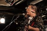 島爺がタワレコ渋谷店で行ったトーク&弾き語りイベントをレポート