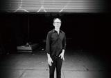 アート・リンゼイが奏でる自由で自在な音楽―若手ミュージシャンと艶やかなグルーヴ紡いだ13年ぶり新作『Cuidado Madame』