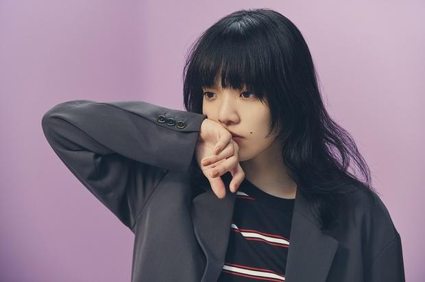 あいみょん、ニュー・アルバム『おいしいパスタがあると聞いて』をリリース 初回盤は未発表曲を含む弾き語りCD付き