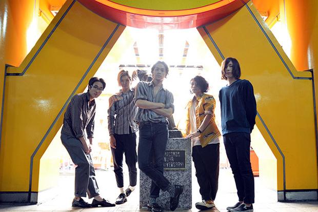 進化の只中にある気鋭の5人組、YOUR ROMANCEが語るNiw!からの初ミニ・アルバム『BUSINESS』