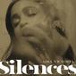 アディア・ヴィクトリア 『Silences』 サザン・ゴシックなアメリカーナ系SSW、アーロン・デスナー(ナショナル)迎えた新作