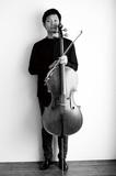 世界を股に掛けるチェリスト・中木健二、長きに渡って真摯に向き合ってきたバッハ〈無伴奏チェロ組曲〉への想いを語る