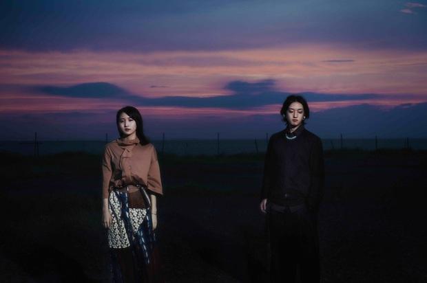 """YOASOBIが初のCD『THE BOOK』をリリース """"夜に駆ける""""など収録の特製バインダー仕様限定盤"""