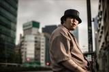 BES『LIVE IN TOKYO』不世出のラッパーが語る、誰のものでもない己の現状を刻んだ新たな傑作
