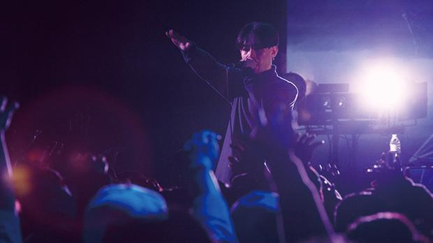 ZORN「おゆうぎかい」『なにか+1』 DJ TATSUKI従えたワンマン公演がDVD化&サプライズ配信された音源集をCDリリース