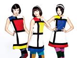 Dorothy Little Happyから新ユニット〈callme〉誕生、高校を卒業した3人のデビュー曲は60'sでスウィンギーなダンス・ポップ
