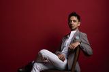 ヴィジェイ・アイヤー(Vijay Iyer)『Uneasy』現代ジャズの哲人が語る、新トリオで挑んだ〈明日のための音楽〉