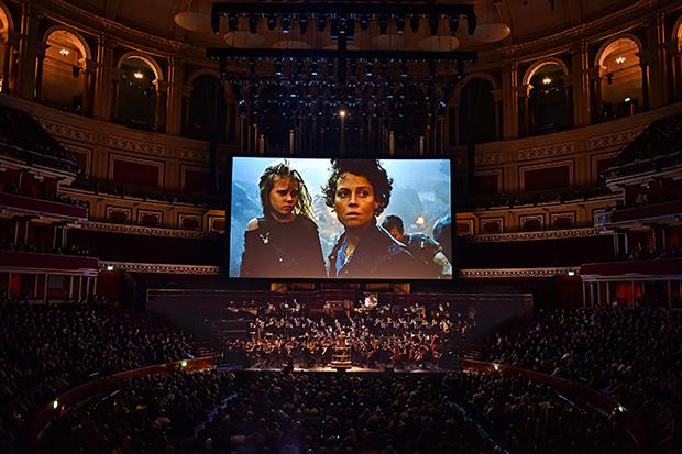シネマ・コンサート〈エイリアン2 LIVE〉日本初演に向けプロデューサーと東京フィル指揮者が意気込みを語る