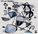 ヨ・ラ・テンゴ、初期メンバーのデヴィッド・シュラムが復帰しキュアーやパーラメンツ曲のカヴァーにセルフ・リメイクまで披露したスペシャル盤
