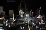 チェルフィッチュ × 金氏徹平「消しゴム森」 モノも観客になる岡田利規の新作が仕掛ける、2度目の地殻変動