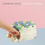 ダーウィン・ディーズ、タヒチ80級の多幸感溢れるキラー曲やストロークス路線にアウル・シティ風など音楽性の幅広げた新作