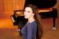 キュートな実力派ピアニスト、オルガ・シェプスが語るショパン曲集&ロシアの作曲家の作品集