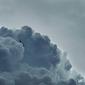 NF『Clouds』エミネムを彷彿させるスキルフルなラップでテック・ナインらと白熱のコラボ