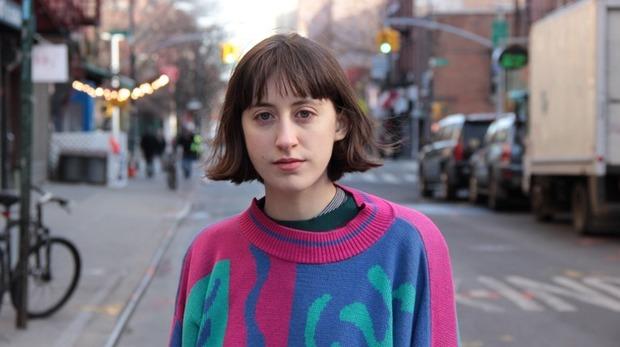 NYの文化系女子、フランキー・コスモスが奏でる小さな宇宙―飾らない歌声と落書きのような〈1分間ポップス〉ができるまで