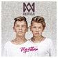 マルケス&マルティネス 『Together』 14歳の双子デュオ、かつてのビーバー思わせるアーバンなダンス・ポップを溌剌と歌う新作