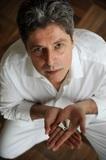 マルセロ・コスタ『Número 1』 ブラジル音楽のスターを支えてきたドラマー/パーカッション奏者の初リーダー作