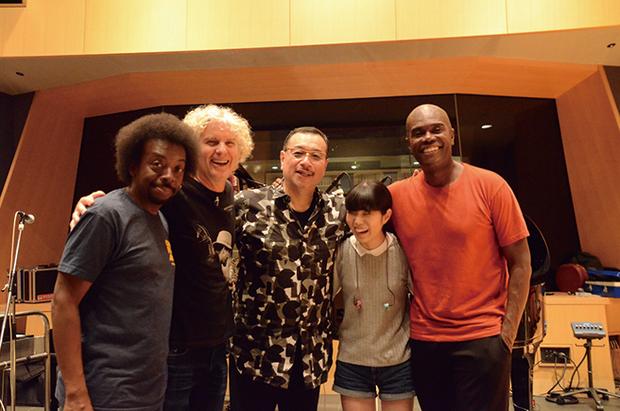 吉田次郎『Red Line レッド・ライン』 DSDレコーディングが名手たちの熱量をMAXに引き出した、ジャンルを超えた傑作