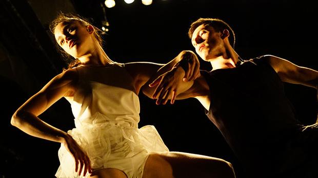 映画「ミスター・ガガ  心と身体を解き放つダンス」 ダンスの歴史を変えた男、オハッド・ナハリン。ミスター〈GAGA〉とは?