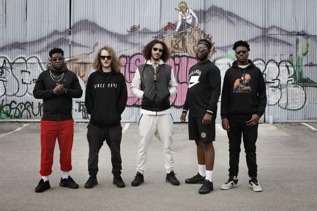 エズラ・コレクティヴ(Ezra Collective)、ジョー・アーモン・ジョーンズ擁するUKジャズ・シーン最注目バンドがBillboard Liveに登場