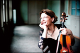 アンティエ・ヴァイトハース『チャイコフスキー: ヴァイオリン協奏曲 Op.35, 弦楽四重奏曲第3番』 指揮なしで挑むチャイコフスキー
