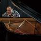 ミシェル・カミロ 『ライヴ・イン・ロンドン』 巨匠の初体験づくしが生んだ最高のライヴ盤 5年ぶりソロ・アルバム