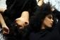 〈ネクスト・ビョーク〉と称される双子デュオ、イベイーの初来日公演が来年3月に決定! ミステリアスな試聴動画まとめ