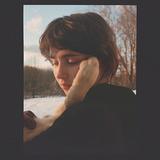 クレイロ(Clairo)『Sling』ジャック・アントノフのプロデュースでフォーク色を増した懐かしくも新鮮な2作目