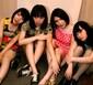 """おとぼけビ~バ~、よよよしえのダイヴも飛び出す""""あきまへんか""""のパンクなライヴ映像を公開&4月には新シングルをリリース"""