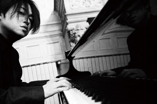 渋谷慶一郎、オノセイゲン迎えて高解像度な音像によるピアノとエレクトロニクスの交錯&融合収めたパリでのソロ公演が音源化