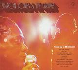 シャロン・ジョーンズ&ザ・ダップ・キングス 『Soul Of A Woman』 グルーヴィーなソウルをコッテリ歌う、他界したディーヴァの遺作