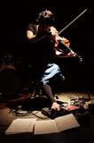 波多野敦子『Cells #5』山本達久や石橋英子と多重録音で構築した〈器官を持たない生き物〉のような弦楽アンサンブル