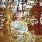 ヘイゼル・イングリッシュ 『Just Give In/Never Going Home』 デイ・ウェイヴがプロデュース、メルボルン発女性SSWの日本デビューEP