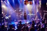 """【NEW URBANe POP】CICADAの〈いま〉を閉じ込めた、初作『BED ROOM』ツアー・ファイナルのライヴ映像""""ふたつひとつ"""""""