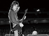 クワイエット・ライオットやオジー・バンドで活躍した早逝のギター・ヒーロー、ランディ・ローズのトリビュート盤
