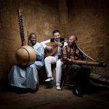 3MAが来日する――サヴァールの音楽でも大活躍するモロッコ、マリ、マダガスカルの3人が作り出す未知の音の宇宙