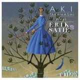 高橋アキ、エリック・サティのピアノ作品録音盤第2弾は前作に続いて銘器ファツィオーリで奏でる濁りない音色が◎