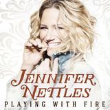 J.Loが参加! シュガーランドのシンガー、ジェニファー・ネトルズの新作はポップなタッチの曲とスケール感たっぷりのスロウで聴かせる