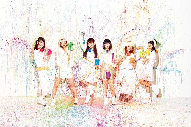 女子中高生ヴォーカル・グループ、Little Glee MonsterがChara指揮の新曲など収めた初アルバム『Colorful Monster』を語る