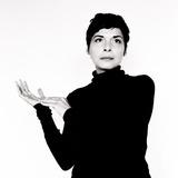 静寂と寄り添うジャズ・シンガー、メラニー・デ・ビアシオが語るモノクロームな音楽観と同時代的な音響デザインへのこだわり